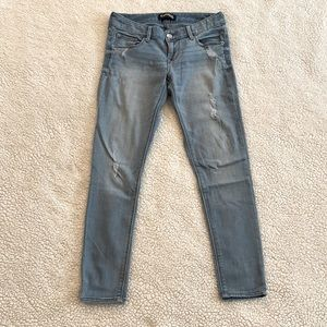 Express Size 2R Medium Wash Distressed Ankle Jeans
